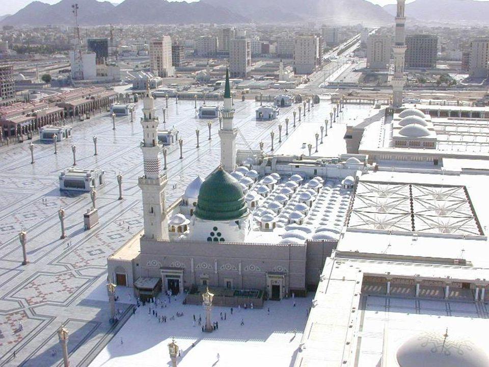 A mekkai zarándoklat A zarándoklat mindig a holdév utolsó hónapjának nyolcadik napján kezdődik és a tizenharmadikon ér véget.