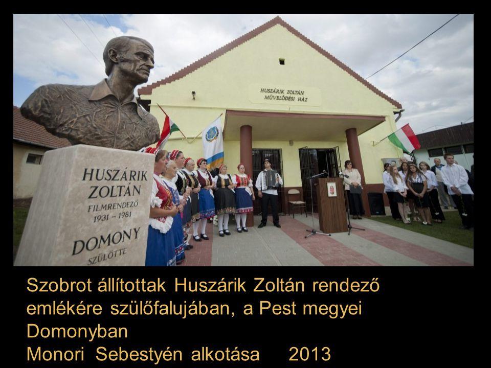 A Gárdonyi-emlékév tiszteletére Kligl Sándor Munkácsy-díjas szobrászművész készítette el szobrát Gárdony-Agárd puszta 2013