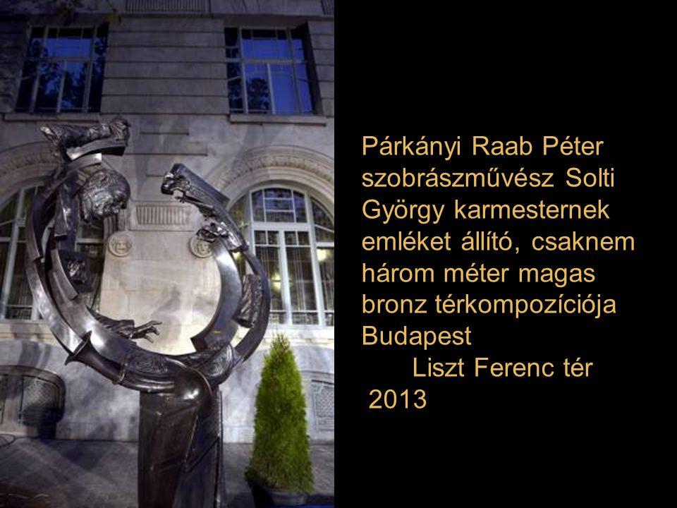 """Szökőkút középpontjában helyezték el Lapis András """"Szeged múzsája"""