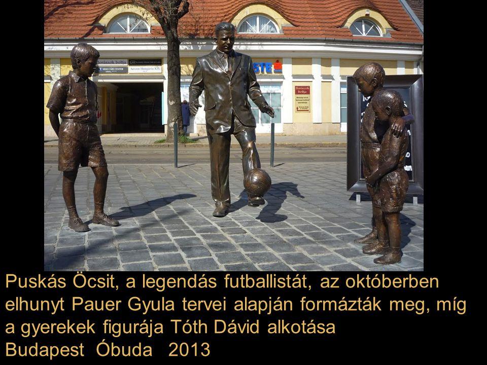 Párkányi Raab Péter szobrászművész Solti György karmesternek emléket állító, csaknem három méter magas bronz térkompozíciója Budapest Liszt Ferenc tér