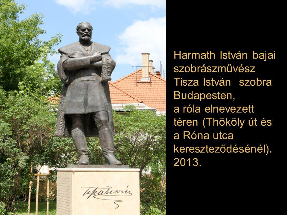 """Szőke László szobra: """"Rikkancs """" Budapest V. kerület 2012"""