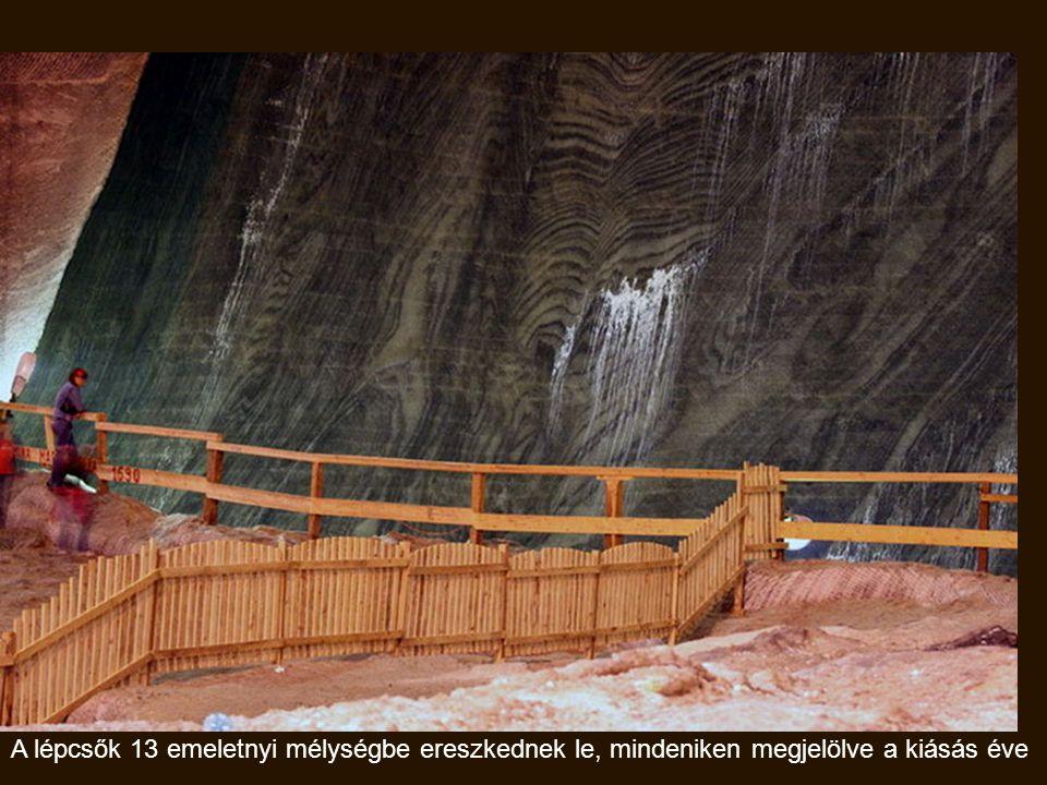A Rudolf bánya belső tere trapéz alakú, alapja 80 x 50 m., magassága 40 m.
