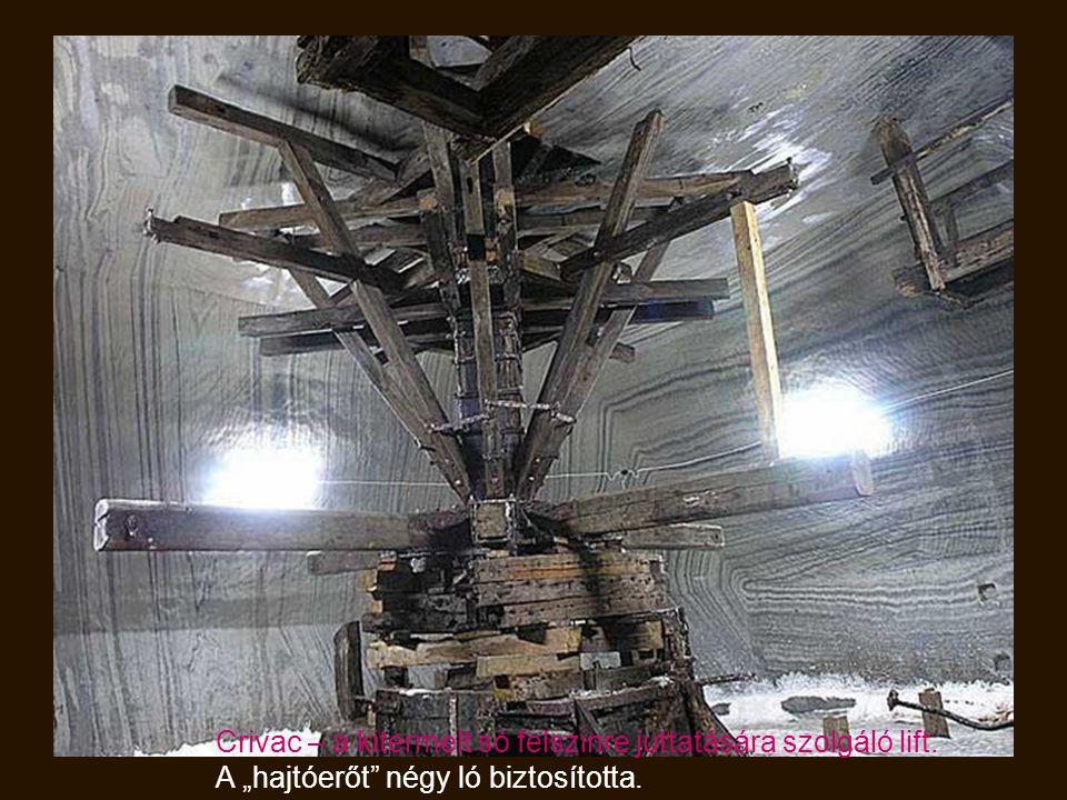 A Teréz bánya tava – 8 m. mély. Közepén a sziget. A szigetre vezető híd