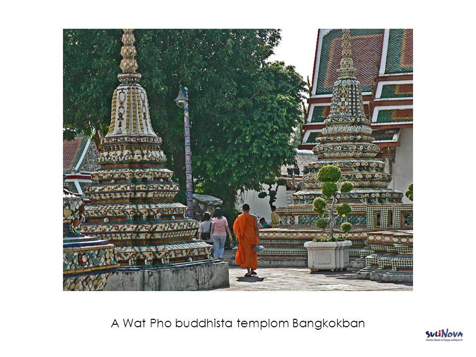 A Wat Pho buddhista templom Bangkokban