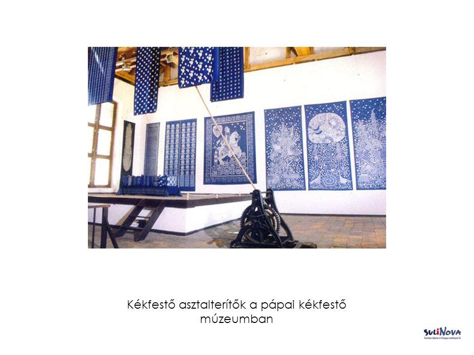 Kékfestő asztalterítők a pápai kékfestő múzeumban