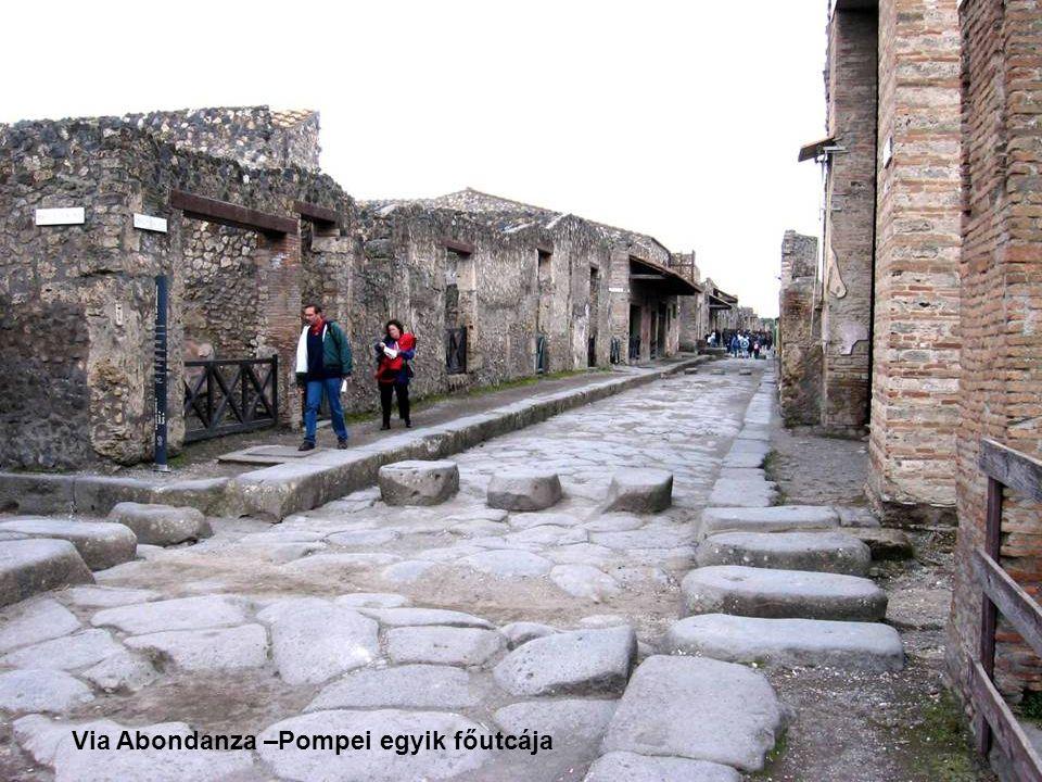 Via Abondanza –Pompei egyik főutcája