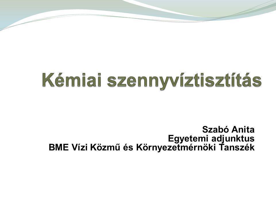 Cél: P eltávolítás (befogadók eutrofizáció elleni védelme) Biológiai tisztítási fokozat terhelésének csökkentése (lebegőanyagok és szervesanyagok eltávolítása, nitrifikáció hatékonyságának növelése) Hatások: Foszfor, szilárd állapotú, nehezen bontható szervesanyag csökkentése Nitrifikációra pozitív hatás Potenciális hátrányok: pH, iszapmennyiség, C:N:P arány megváltozása – denitrifikációs problémák Előkicsapás