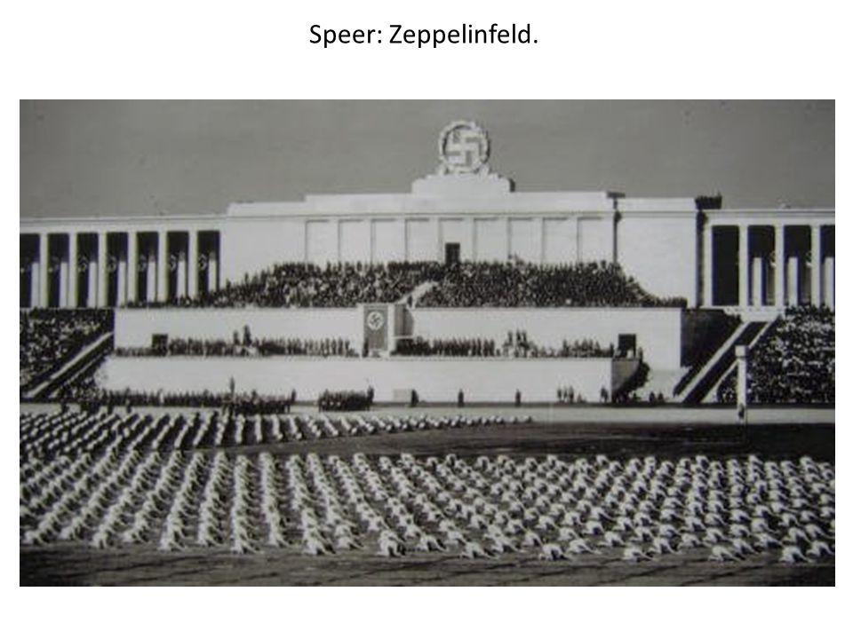 Speer: Zeppelinfeld.