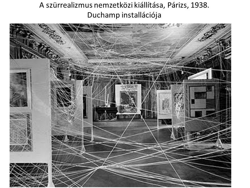 A szürrealizmus nemzetközi kiállítása, Párizs, 1938. Duchamp installációja
