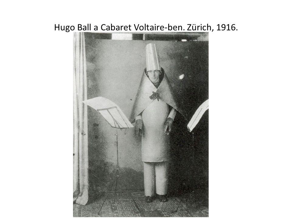 Hugo Ball a Cabaret Voltaire-ben. Zürich, 1916.