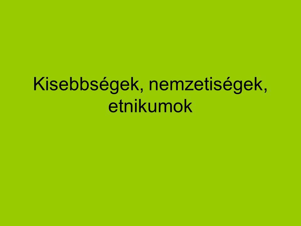 """Nemzeti és etnikai kisebbség """"… minden olyan, a Magyar Köztársaság területén legalább egy évszázada honos népcsoport, amely az állam lakossága körében számszerű kisebbségben van, tagjai magyar állampolgárok, és lakosság többi részétől saját nyelve és kultúrája, hagyományai különböztetik meg, egyben olyan összetartástudatról tesz tanúbizonyságot, amely mindezek megőrzésére, történelmileg kialakult közösségei érdekeinek kifejezésére és védelmére irányul. (Kisebbségi törvény, I."""