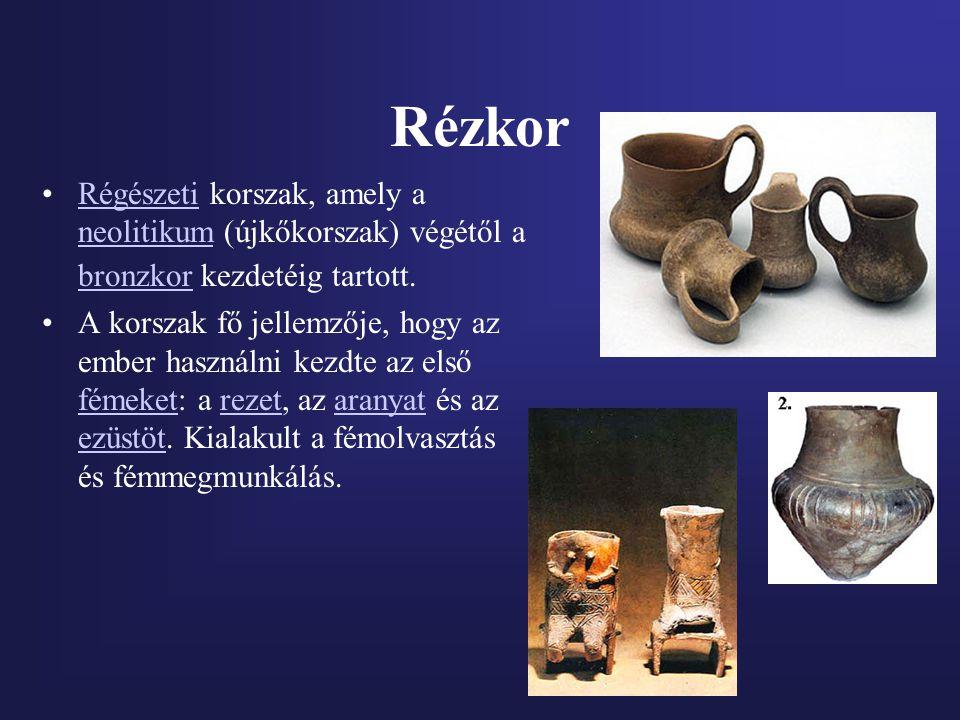Bronzkor A bronzkor a civilizáció fejlődésének azon szakasza, amikor a természetes módon felszínre került érctartalmú ásványokból a réz és ón kiolvasztásával, majd ötvözésével állították elő a bronzot.