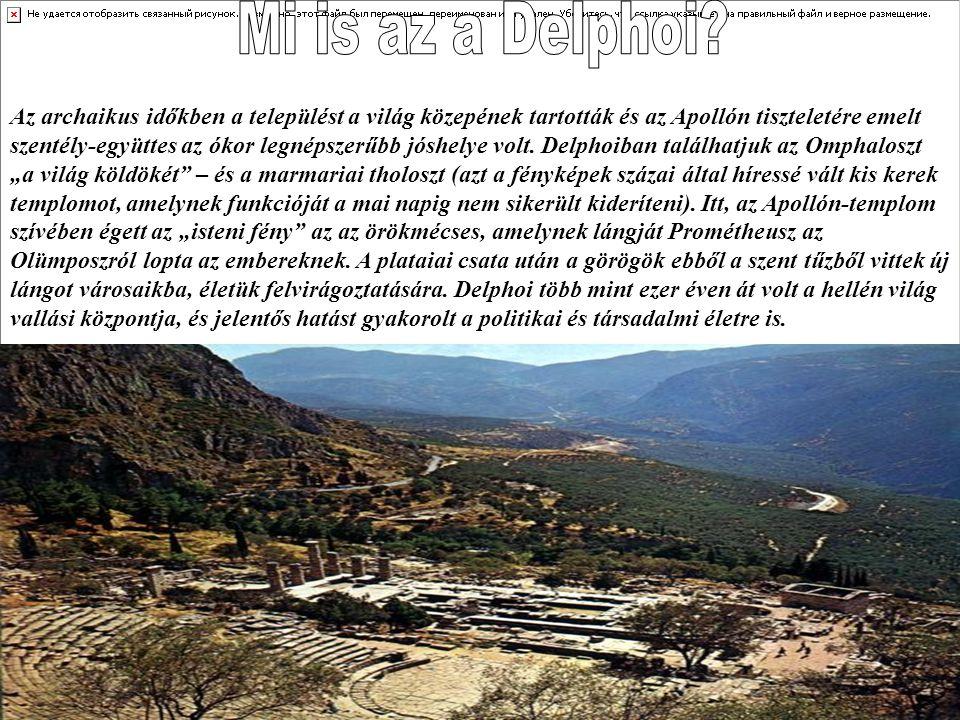 A település a mitikus Parnasszosz-hegy délnyugati lejtőjén, 570 méteres magasságban fekszik