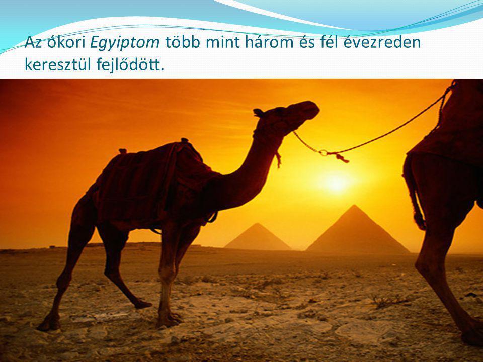 Az ókori Egyiptom több mint három és fél évezreden keresztül fejlődött.