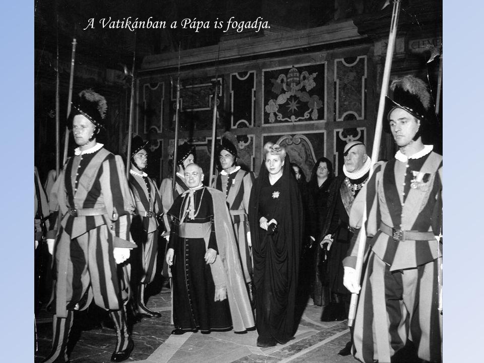 … és a legmagasabb spanyol kitüntetéssel, a Keresztény Izabella Kereszttel honorálja a polgárháború sújtotta Spanyolországnak küldött élelmiszer száll