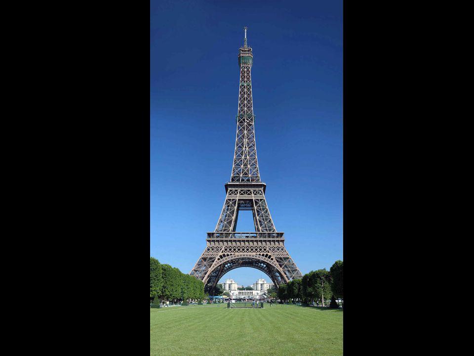 Mindössze öt hónap kellett az alapok elkészítéséhez, s további 21 a torony fém elemeinek összeszereléséhez.