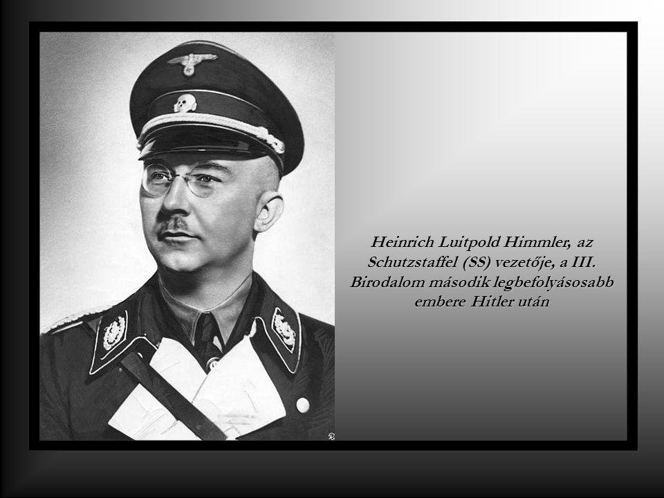 Adolf Hitler a Nemzetiszocialista Német Munkáspárt vezetője, kancellár, 1933-tól Führer ( vezér )