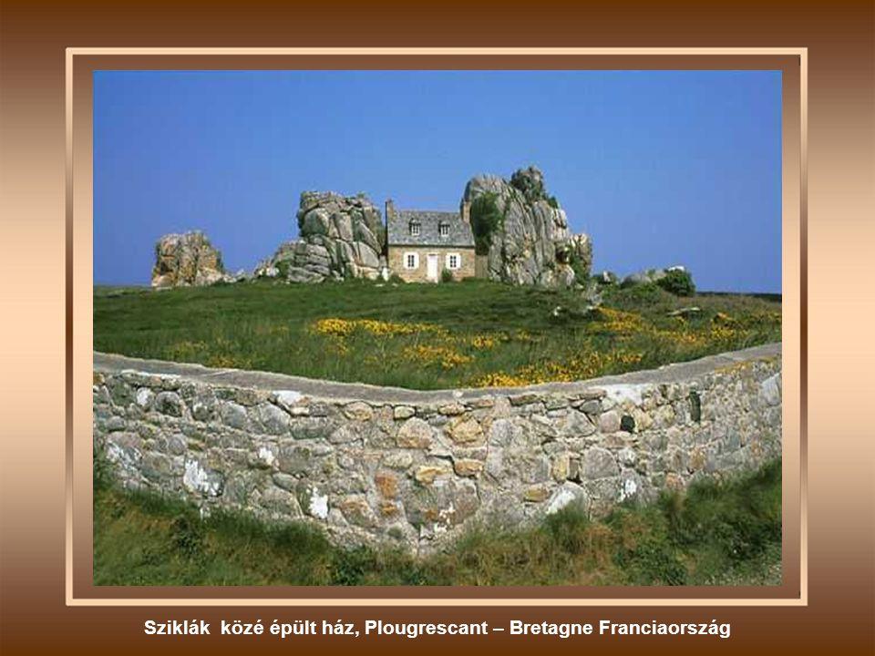 Női fejet ábrázoló szikla - Portugália
