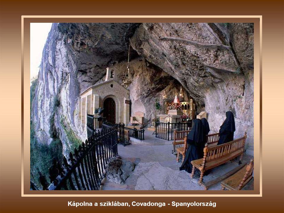 Kápolna a sziklában, Covadonga - Spanyolország