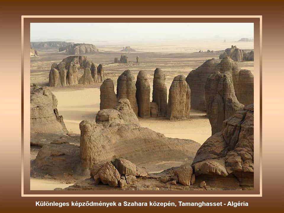 Különleges képződmények a Szahara közepén, Tamanghasset - Algéria
