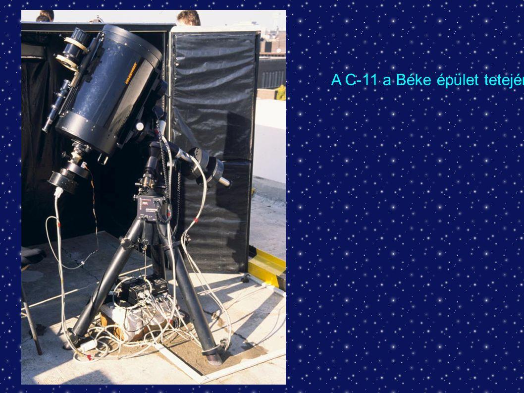 """A """"kütyük : - zenittükrök - Amici prizmák - okulárok - kereső távcsövek - színszűrők - keskenysávú szűrők - standard szűrők - vezető távcső - megvilágított okulár - Herschel prizma - napszűrők - fókuszírozó - fókuszreduktor - Barlow lencse"""