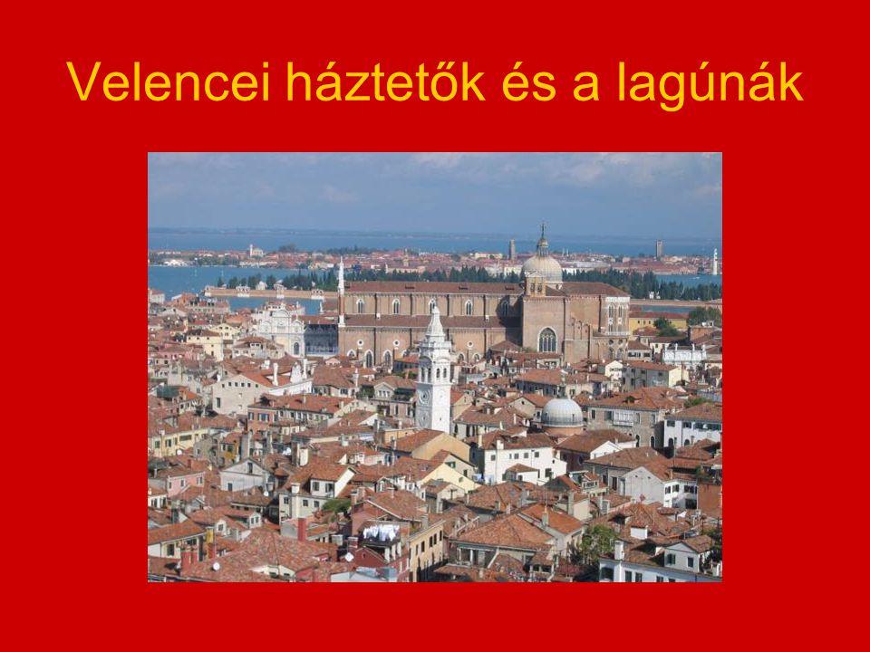 Velencei háztetők és a lagúnák