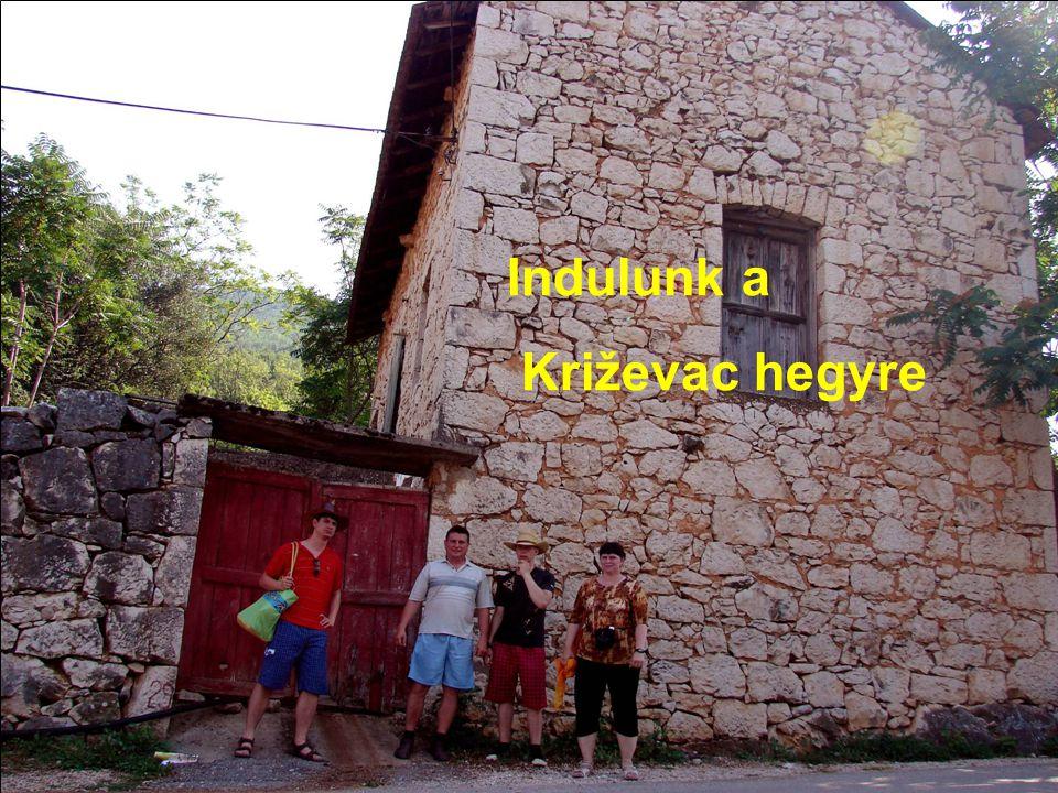 Indulunk a Križevac hegyre