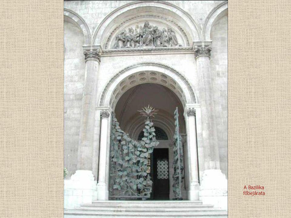 A Bazilika főbejárata