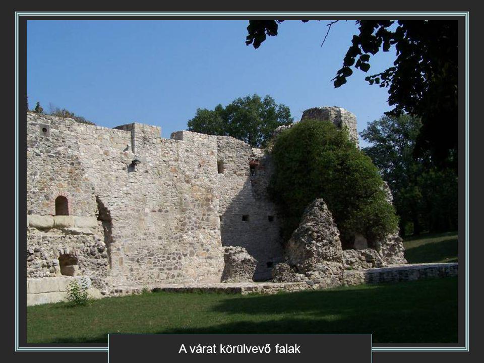 A várat körülvevő falak