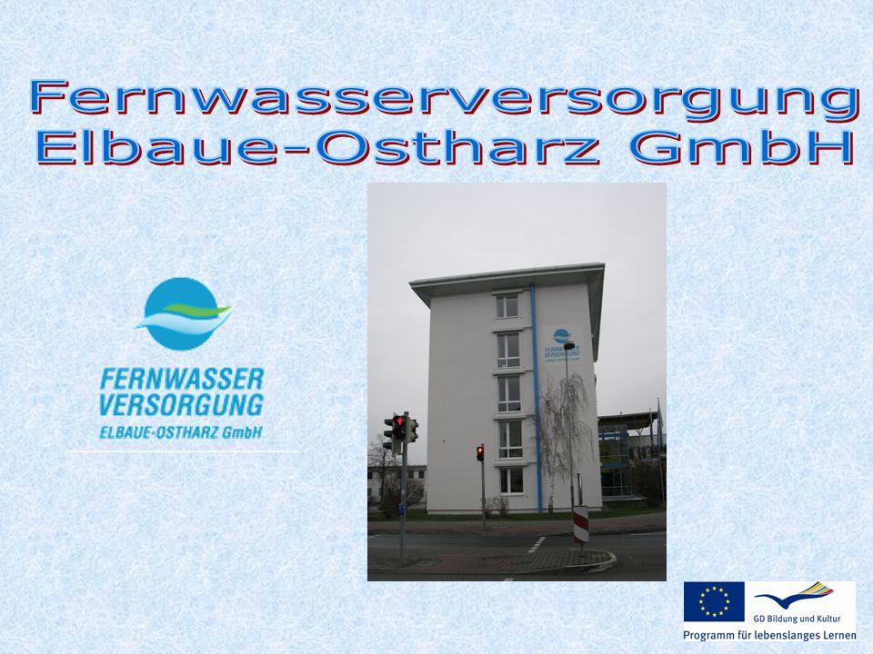  ein überregionales Trinkwasserversorgungsunternehmen  gehört zu den größten Fernwasserversorgern Deutschlands  Németország legnagyobb régiókat átfogó ivóvízszolgáltató cégeinek egyike  Nadregionální podnik v oblasti zásobení pitnou vodou patří k nevětším vodohospodářským firmám Německa.