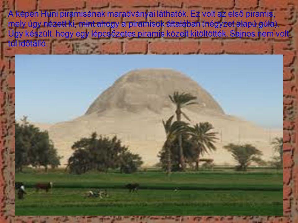 A képen Huni piramisának maradványai láthatók.