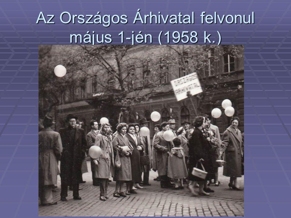 Az Országos Árhivatal felvonul május 1-jén (1958 k.)
