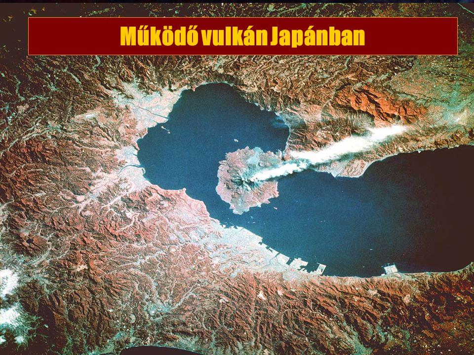 Működő vulkán Japánban