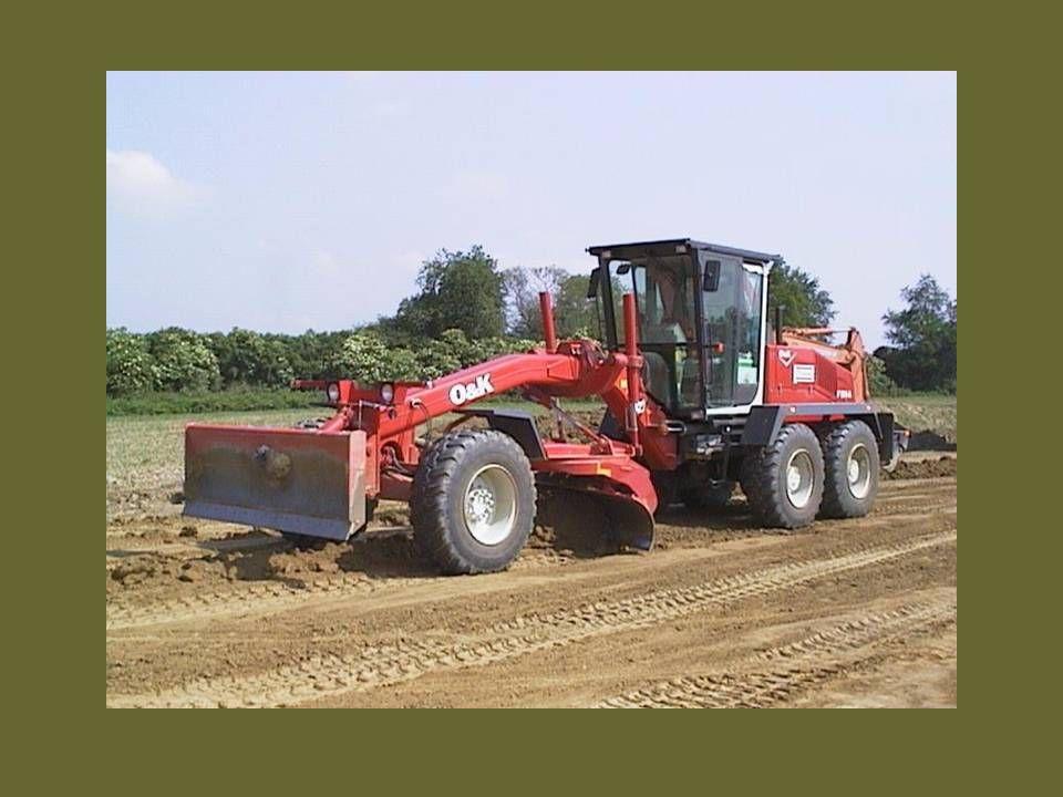 A talajkezelés módszerei –kiszárítás, –nedvesítés locsolással, –keverés szemcsés anyaggal, –aprítás törőgéppel, –meszes kezelés, –cementes stabilizálás, –pernyés stabilizálás, –speciális (pl.