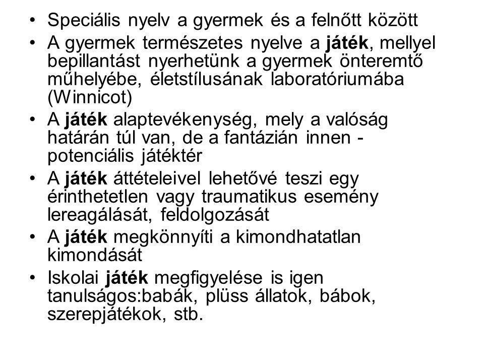 Játék története Őskor: a munkaeszközök kicsinyített mása.