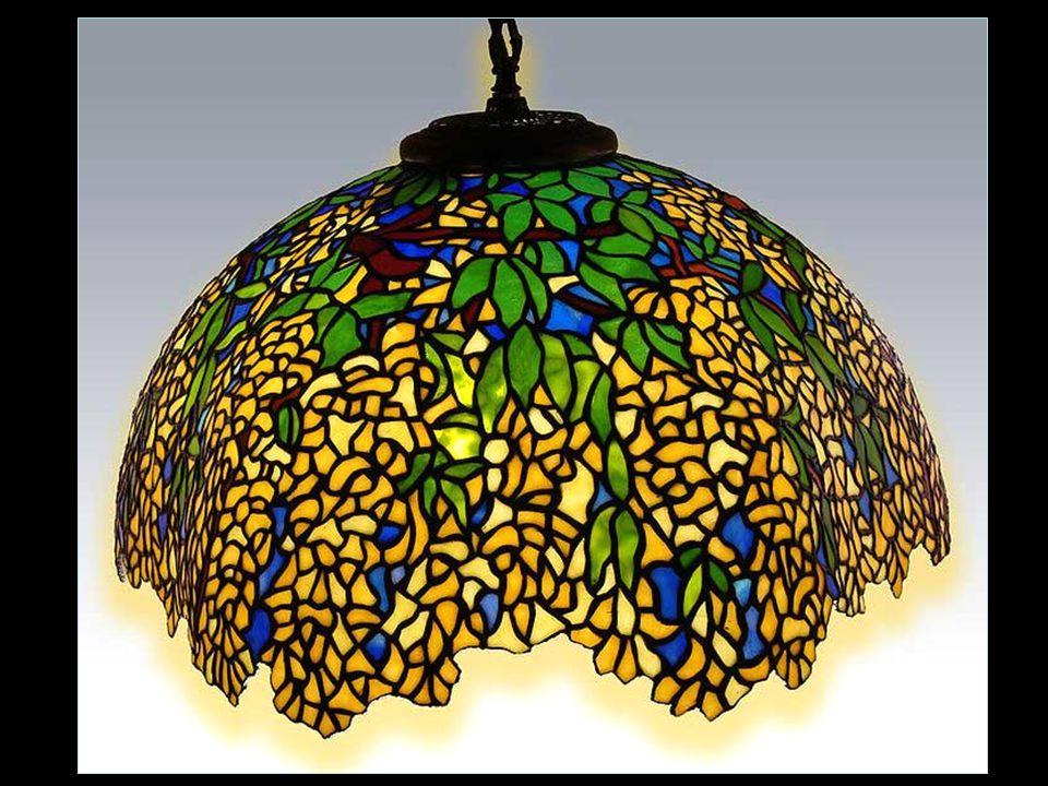 Fények A Tiffany élete volt a lenyűgöző fény, ez inspirálta őt, hogy új utakat találjon, mikor megjelent a villamos világítás.