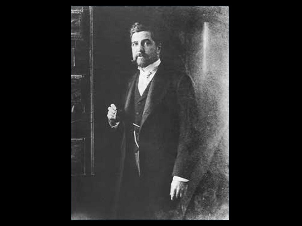 Lous Comfort Tiffany (1848 - 1933) Tiffany amerikai művész és ipari tervező, aki jól ismert műveit üveggel társítja.