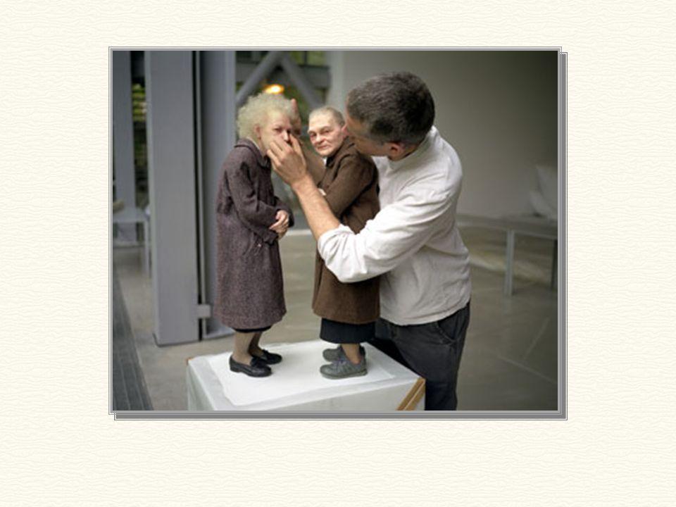 A 2 öreg hölgy szobra