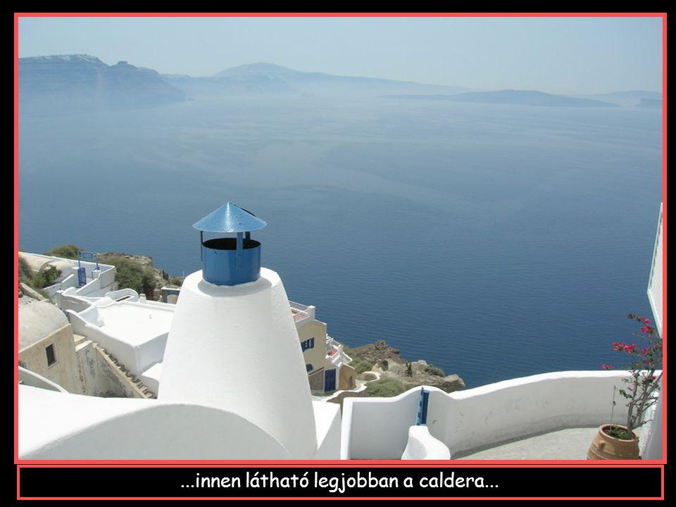 IA tetőn látható az Égei tenger legszebb esti látképe...