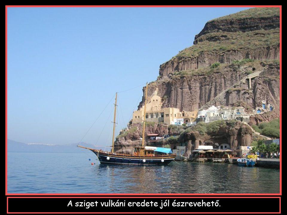 ... Kykládok része, a görög szigetek közül a leghíresebb.