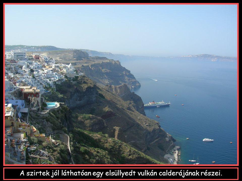 A szigetet körülvevő tenger,a Nap állásától függően változtatja szineit: kékből pirosba,a smaragd- zöldbe,barnába és feketébe.