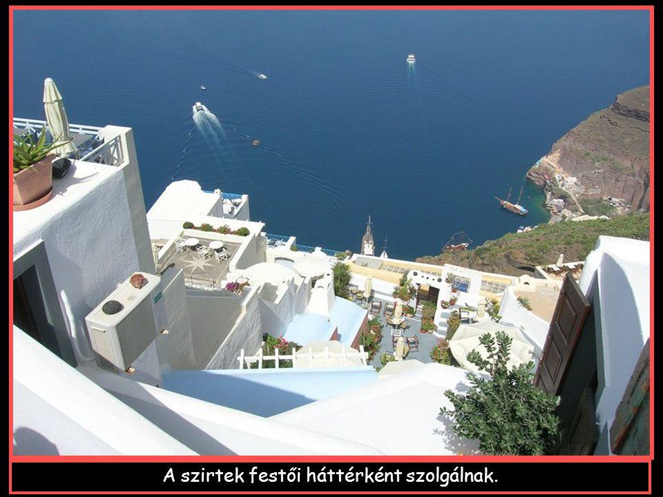 A sziget fővárosa,Thira, a félhold alaku caldera felett épült.