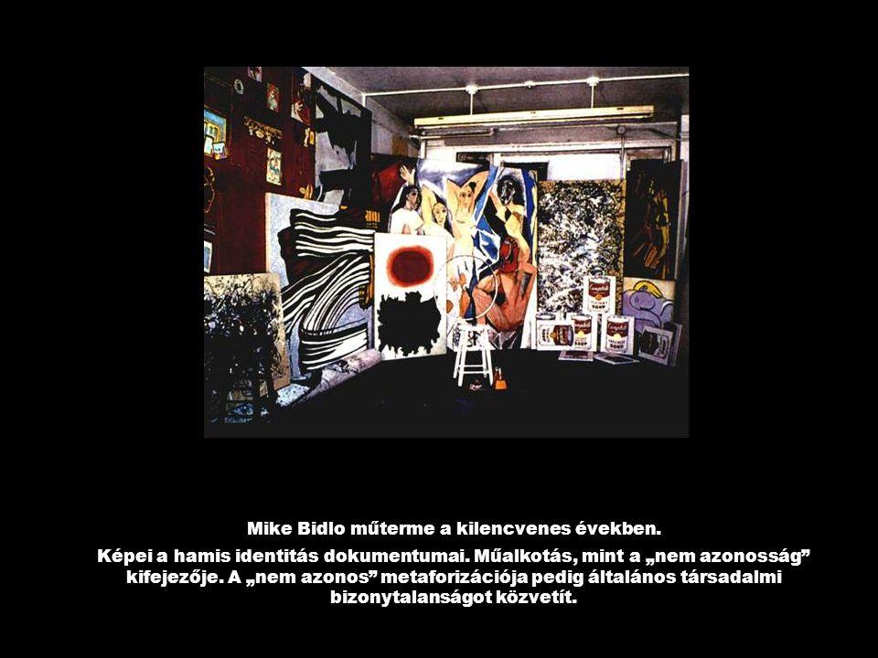 Mike Bidlo műterme a kilencvenes években.Képei a hamis identitás dokumentumai.
