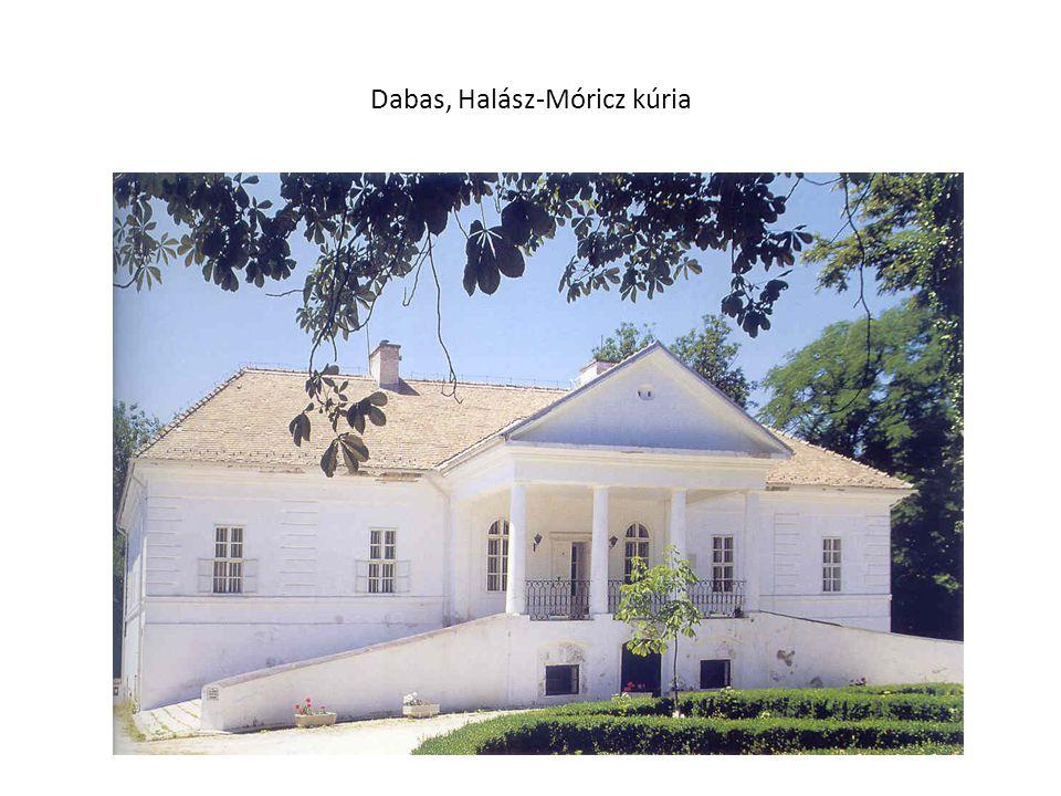 Dabas, Halász-Móricz kúria