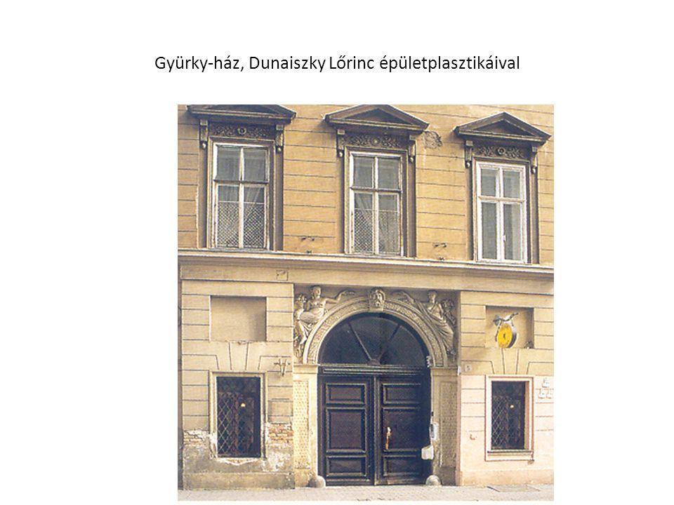 Gyürky-ház, Dunaiszky Lőrinc épületplasztikáival