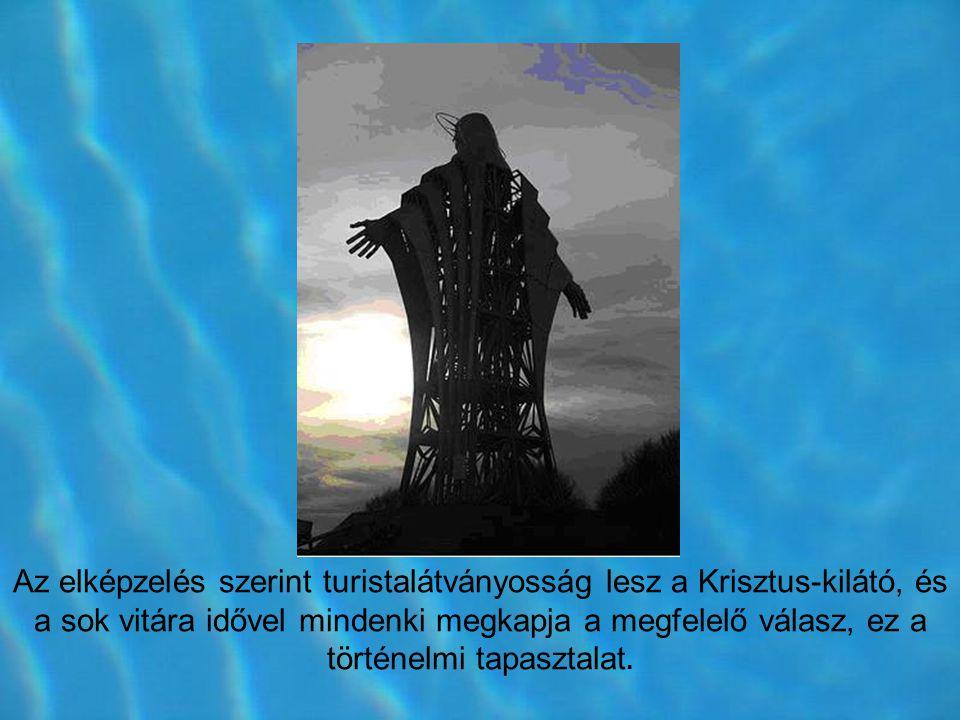 A tárt karú Jézus szobor a székelyudvarhelyi Zawaczky Walter szobrász tervei alapján készült el.