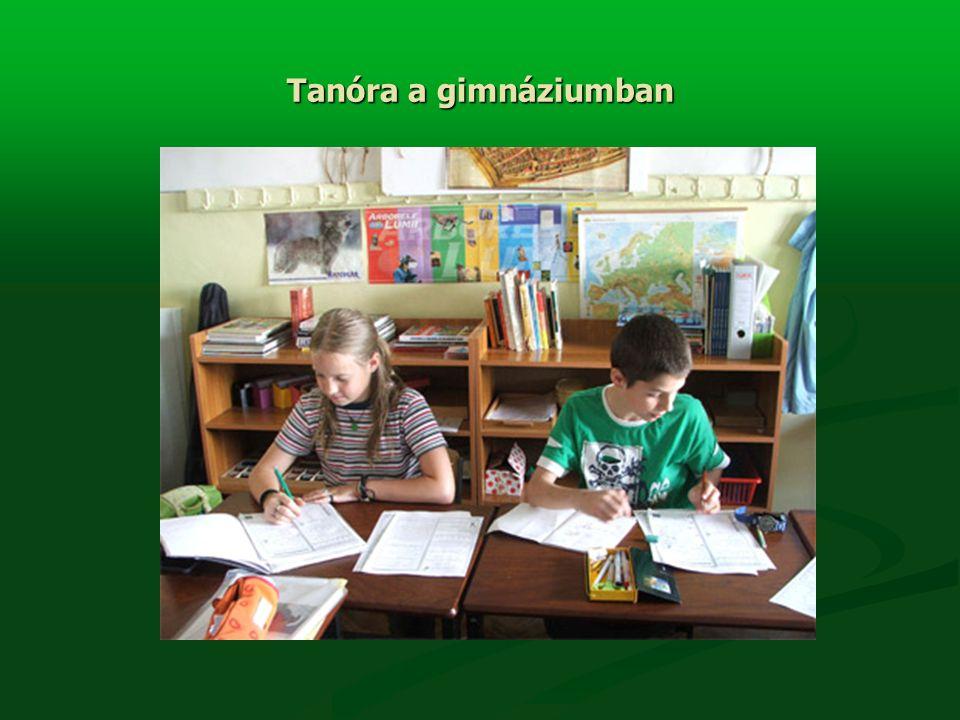 Tanóra a gimnáziumban