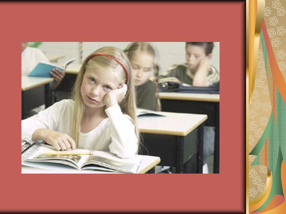 A tanítási órákon olykor lehetetlenné teszi a munkát: feláll, járkál, közbeszól, bohóckodik.