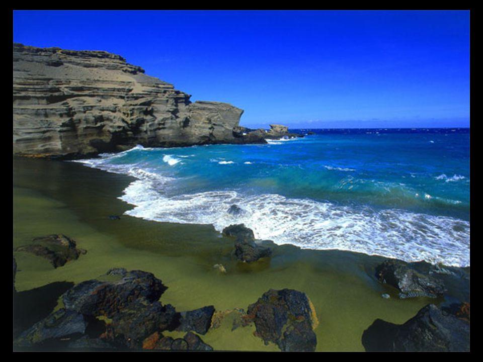 Az olivin, a Hawaii-i láva közös eleme, ami viszonylag b ő ségesen van, különösen a Papakolea Strand partján.