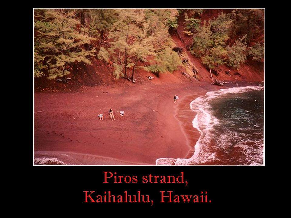 Piros strand, Kaihalulu, Hawaii.